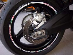Aufkleber Felgenrand Ducati corse Satz Weiß mit ital. Flagge