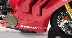 Aufkleber Ducati Corse auf der Verkleidung Ducati Panigale V4R Bj 2019