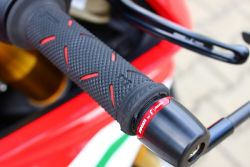 handlebar grips speciale Ducati Performance